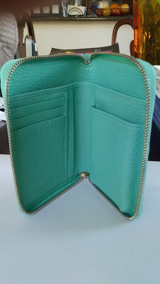 16136d72fc9 TIFFANY & CO Signature Leather Smart Zip Wallet and Phone Case iPhone.  123456789