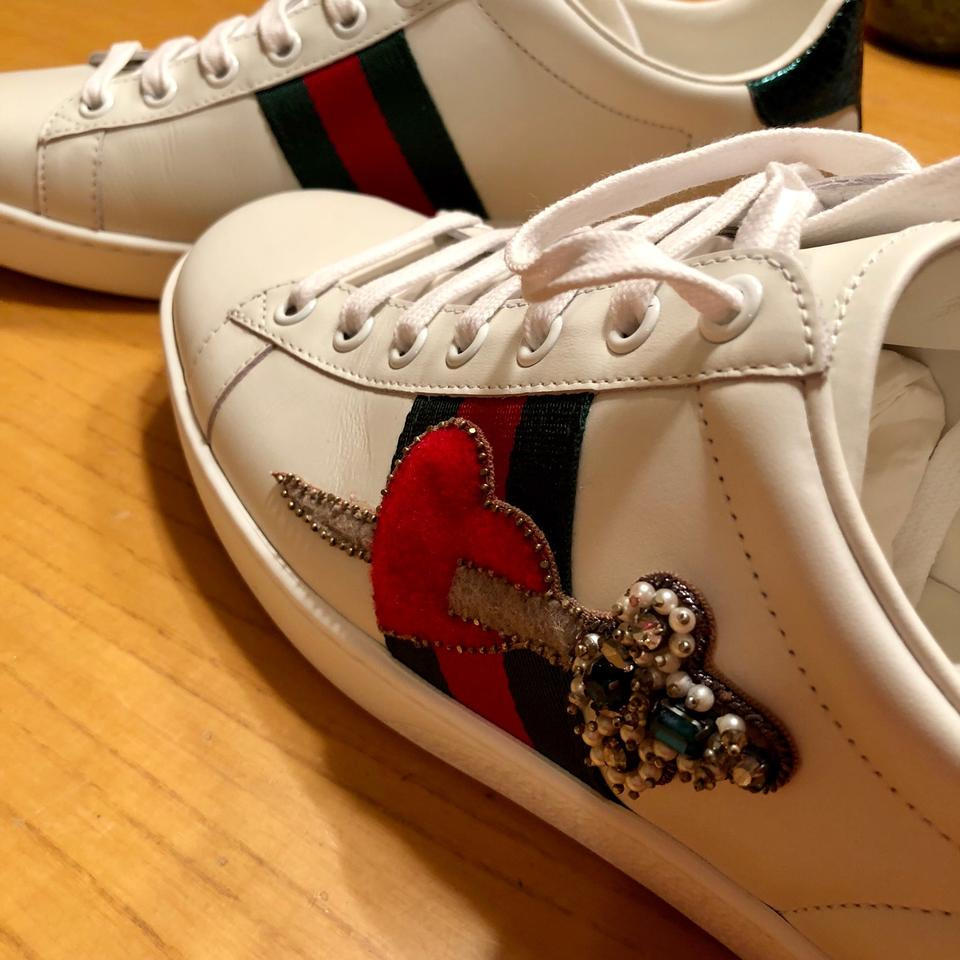 77ddfd190eb Gucci White Ace Heart Dagger Sneakers Size US 9 Regular (M