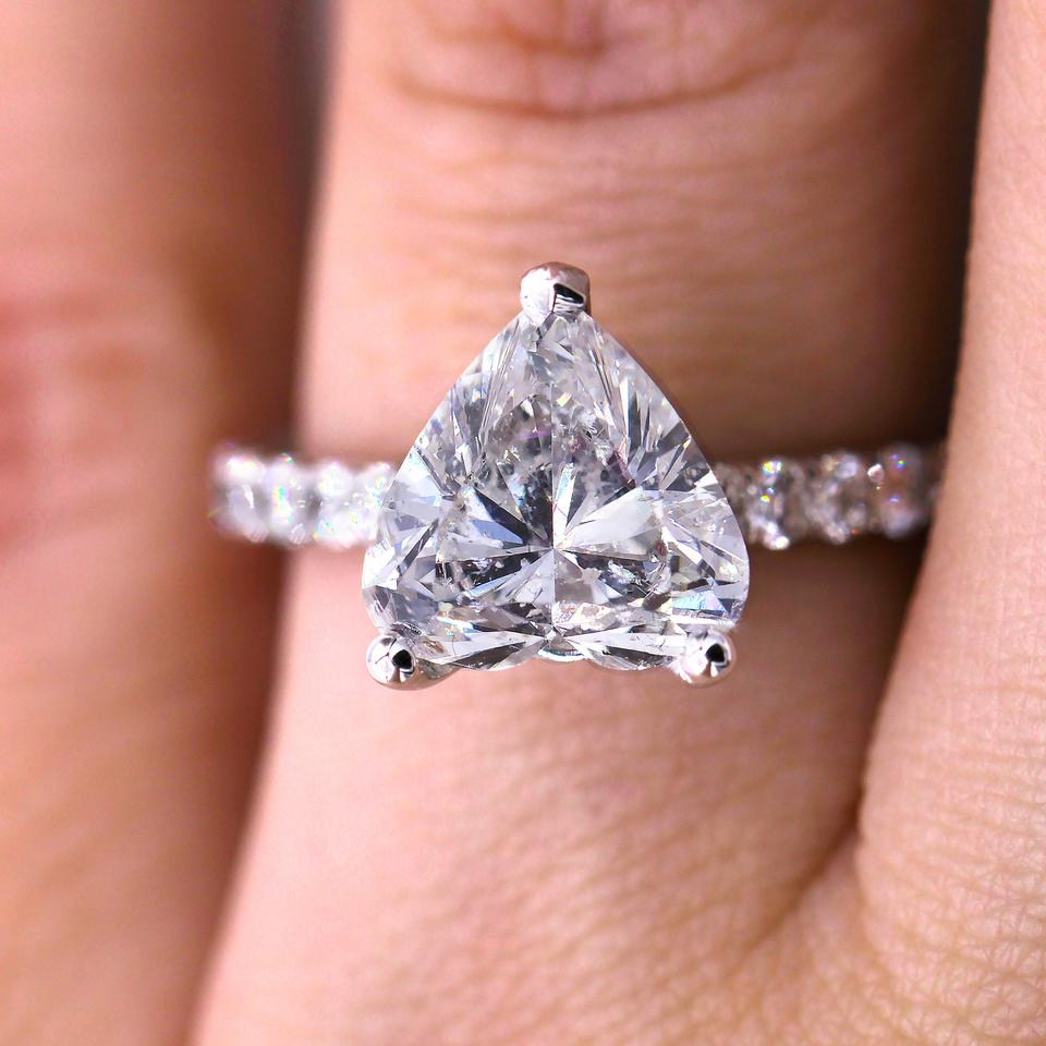 A Lovely Heart Shape Diamond In 18kt White Gold Engagement Ring ...