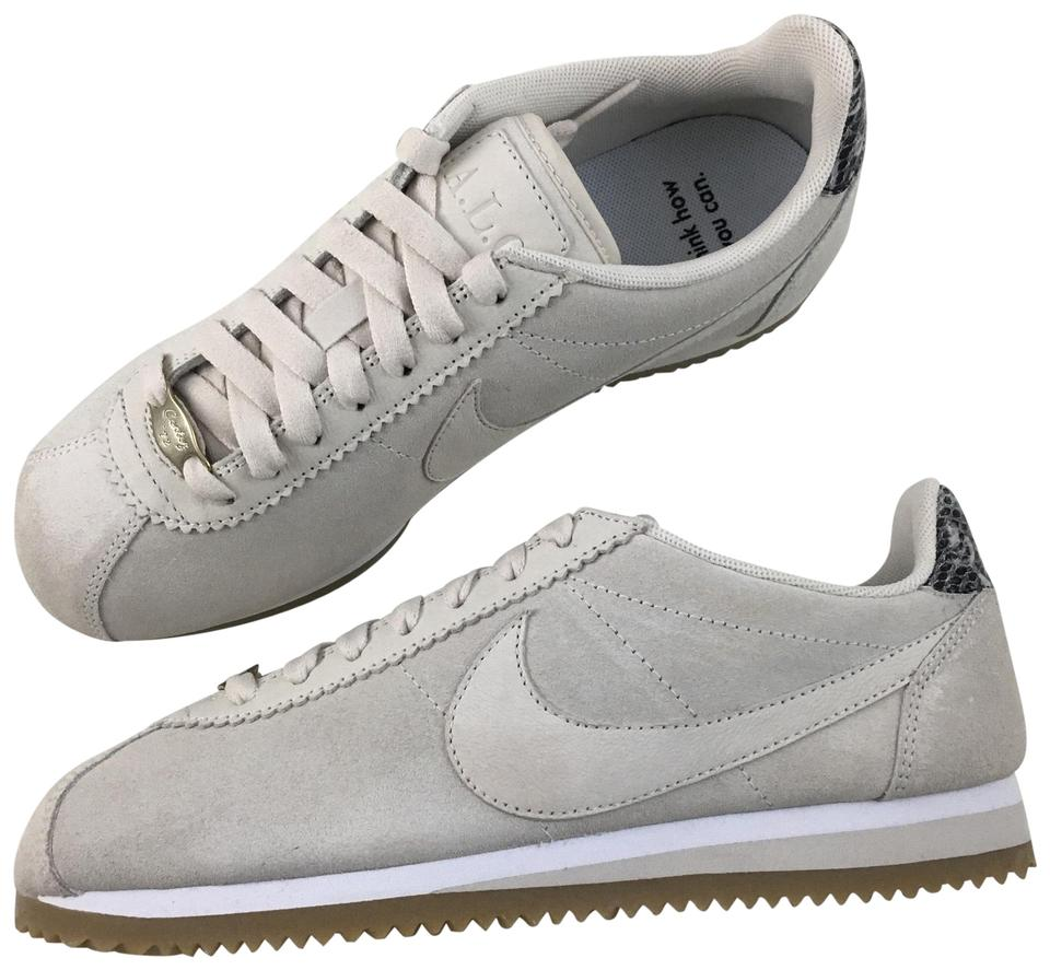timeless design 79a39 bf9cf Nike Athletic Image 0 ...