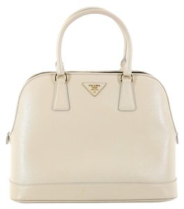 960f0c577fbb Prada Leather Satchel in Off-white. Prada Promenade Open Handbag Vernice  Saffiano ...