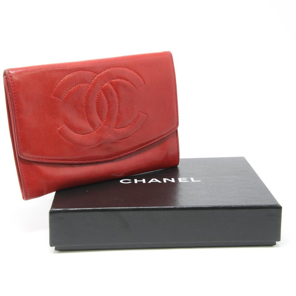 051b03a82694 Chanel Red Signature Large Cc Logo Classic Lambskin Leather Flap Bifold  Wallet