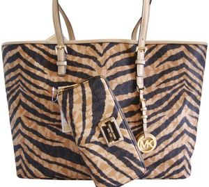 48c7c874a09b Michael Kors Tiger Print Canvas And Leather Large-extra Large  Multi-function Tote in