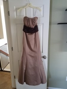 David's Bridal Cappacino Polyester F12256 Formal Bridesmaid/Mob Dress Size 6 (S)