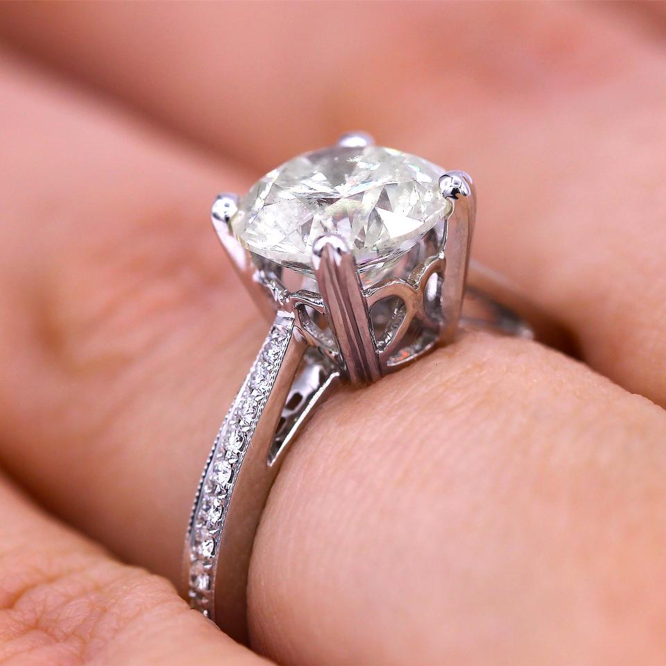 2.51 Cts Classic Round Cut Diamond Engagement Ring - Tradesy
