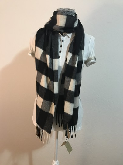 Burberry AUTHENTIC NEW Burberry Half Mega Check Cashmere Scarf black and white Image 3