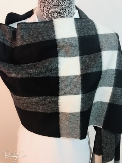 Burberry AUTHENTIC NEW Burberry Half Mega Check Cashmere Scarf black and white Image 9