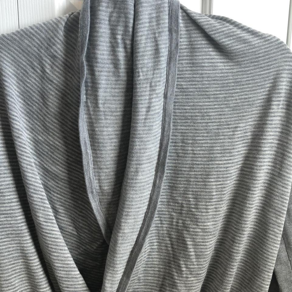 e77249e00f Lululemon Grey Wrap Sweater Activewear Top Size 4 (S) - Tradesy