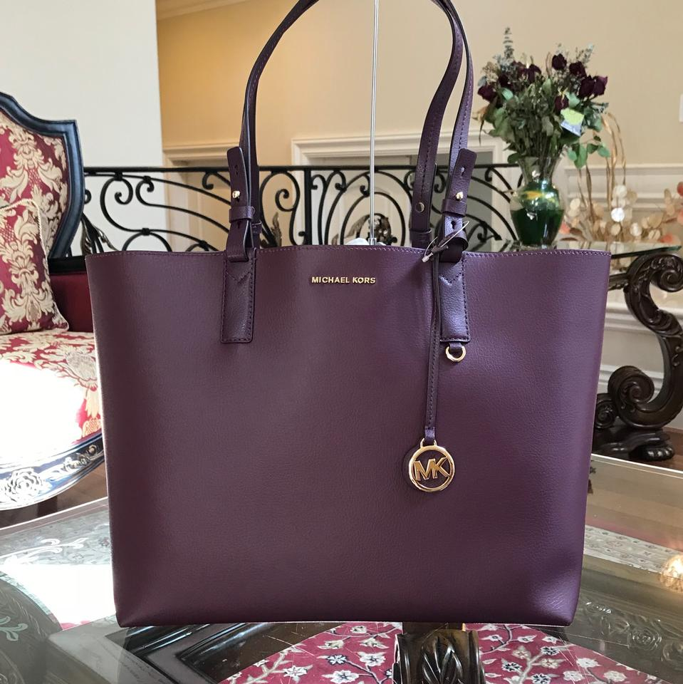 8bdc5fd2b5efea Michael Kors Reversible Leather Mother Day Gift Tote in DAMSON/MINK Image 0  ...