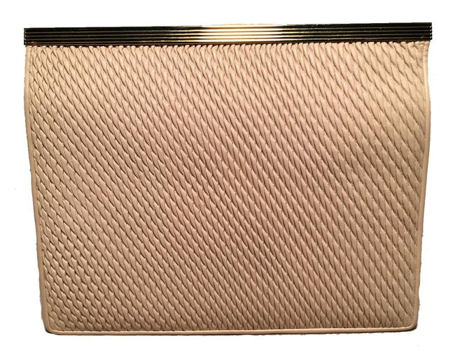 Item - Vintage Pinched Cream Leather Clutch