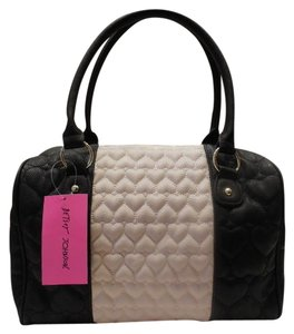 Betsey Johnson Tote in black/off white