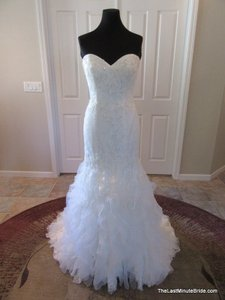 Casablanca Ivory Lace and Organza 2096 Modern Wedding Dress Size 10 (M)