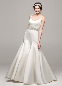 David's Bridal Ivory Polyester Satin Trumpet Gown / Style: Mb3652 Formal Wedding Dress Size 6 (S)