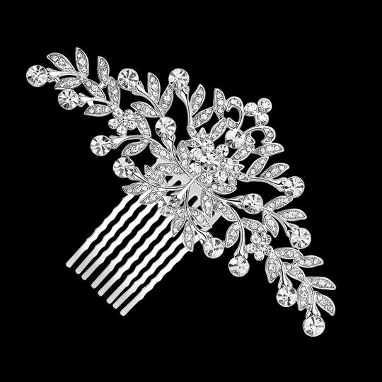 Preload https://img-static.tradesy.com/item/22990484/clear-silver-crystal-comb-crystal-comb-hair-accessory-0-0-540-540.jpg