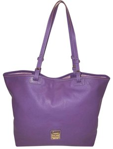 Dooney & Bourke Refurbished Leather Extra-large Lined Tote in Lavender
