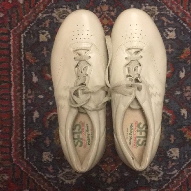 Free Time Cream Leather Lace-up 8ww Sneakers Size US 8 Extra Wide (Ww, Ee) Free Time Cream Leather Lace-up 8ww Sneakers Size US 8 Extra Wide (Ww, Ee) Image 1