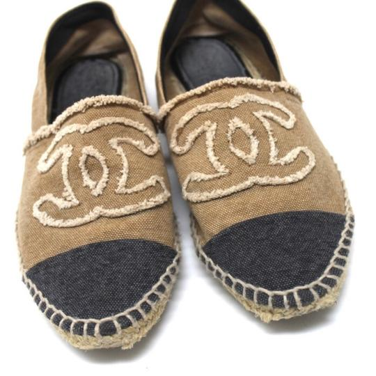 Preload https://img-static.tradesy.com/item/22992979/chanel-brown-black-with-box-canvas-espadrilles-excellent-condition-flats-size-eu-39-approx-us-9-regu-0-0-540-540.jpg