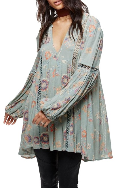 Preload https://img-static.tradesy.com/item/22993274/free-people-sage-green-just-the-two-of-us-tunic-size-12-l-0-1-650-650.jpg