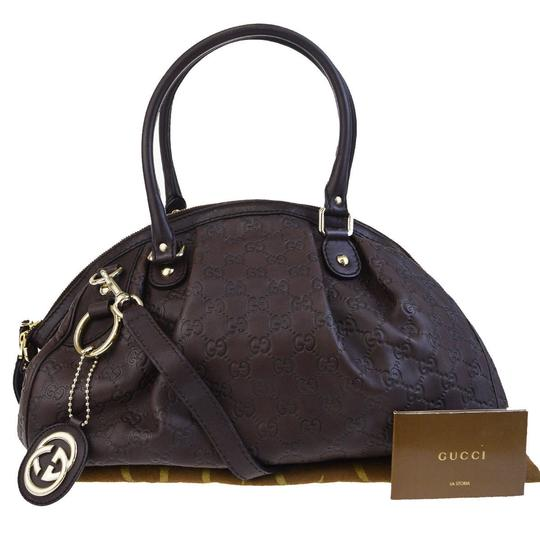 Preload https://img-static.tradesy.com/item/22993374/gucci-gg-pattern-2way-shoulder-italy-brown-leather-tote-0-0-540-540.jpg
