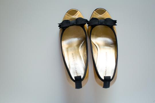 Marc by Marc Jacobs Peep Toe Open Toe Patent Leather Mustard Pumps