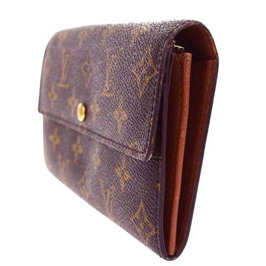 Preload https://img-static.tradesy.com/item/22993848/louis-vuitton-credit-long-bifold-purse-monogram-brown-m61725-wallet-0-0-540-540.jpg