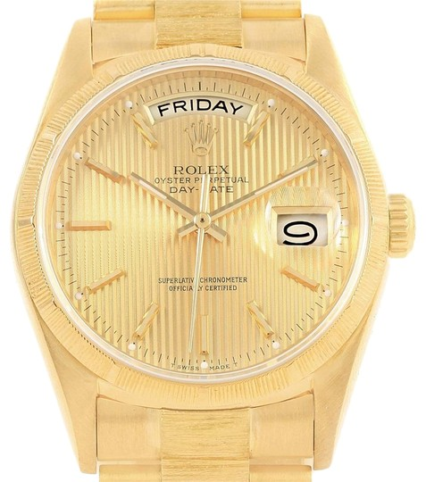 Preload https://img-static.tradesy.com/item/22993927/rolex-champagne-president-day-date-36-yellow-gold-tapestry-dial-mens-18078-watch-0-1-540-540.jpg