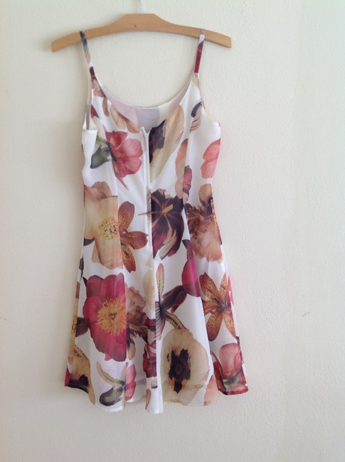 In Wear short dress off white floral on Tradesy