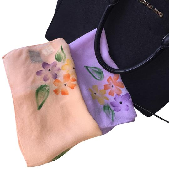 Preload https://img-static.tradesy.com/item/22994285/kim-rogers-peach-and-lilac-floral-scarfwrap-0-1-540-540.jpg