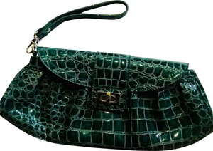 New York & Company Wristlet in Green