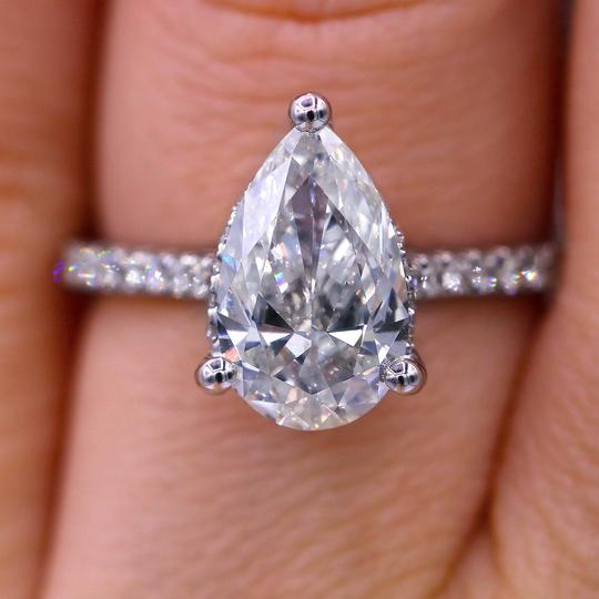 Preload https://img-static.tradesy.com/item/22994664/elegant-certified-200-carat-pear-cut-diamond-engagement-ring-0-0-540-540.jpg