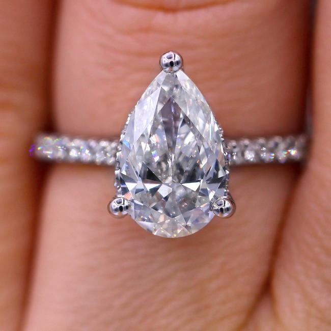Diana M Elegant Certified 2.00 Carat Pear Cut Diamond Engagement Ring Diana M Elegant Certified 2.00 Carat Pear Cut Diamond Engagement Ring Image 1