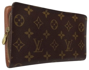 Louis Vuitton Authentic monogram LV zip around