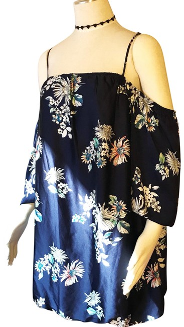 Preload https://img-static.tradesy.com/item/22994904/navy-bohemian-hippie-retro-cold-off-shoulder-floral-bubble-short-night-out-dress-size-12-l-0-1-650-650.jpg