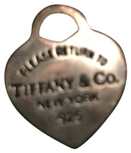 "Tiffany & Co. Tiffany & Co ""Please Return To"" heart charm"