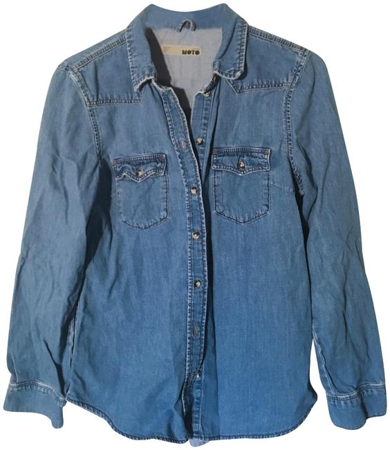 Preload https://img-static.tradesy.com/item/22996747/topshop-denim-chambray-moto-distressed-shirt-button-down-top-size-12-l-0-1-650-650.jpg