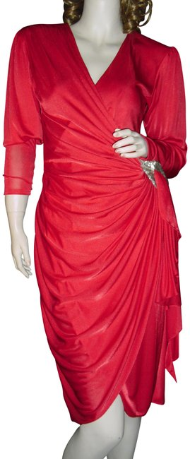 Item - Red Faux Stretchy Shapely Unique Mid-length Cocktail Dress Size 6 (S)