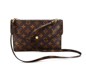 Louis Vuitton Monogram Vintage Pochette Rare Cross Body Bag