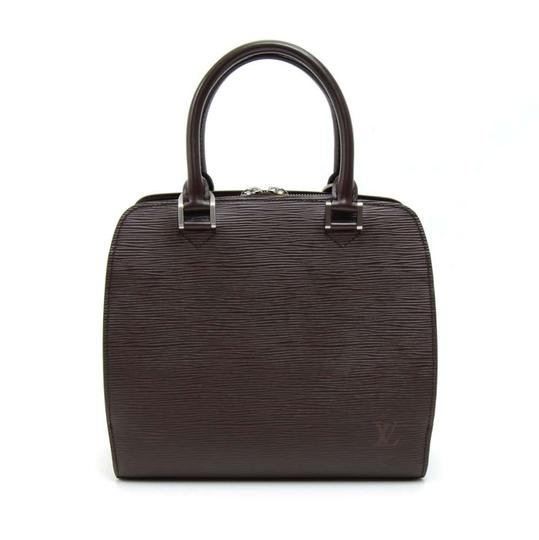 Preload https://img-static.tradesy.com/item/22997390/louis-vuitton-pont-neuf-moka-hand-brown-leather-hobo-bag-0-0-540-540.jpg