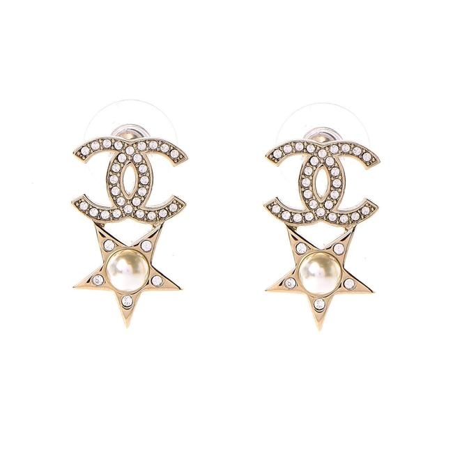 Chanel 2020 Cc Logo with Star Pearl Drop Earrings Chanel 2020 Cc Logo with Star Pearl Drop Earrings Image 1