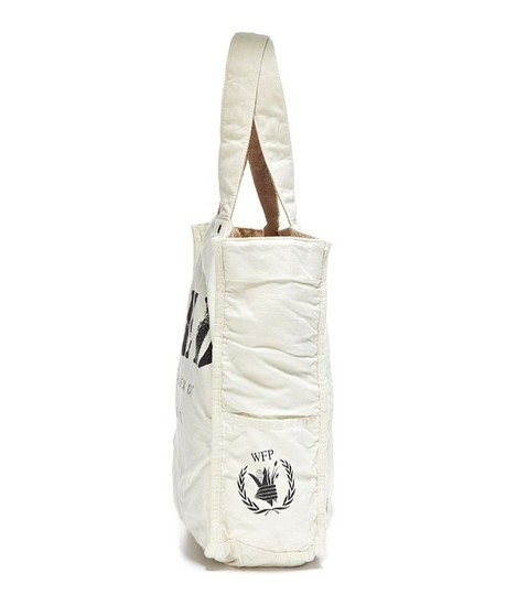 FEED Nwt Reversible Tote in Burlap and White