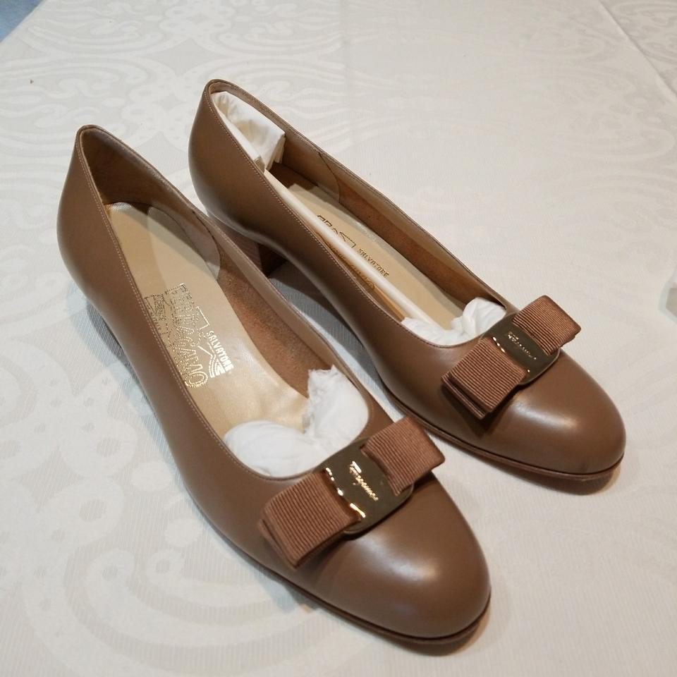 Salvatore 8.5aa Ferragamo Calf Brown. Vara 8.5aa Salvatore Pumps 9e99f3
