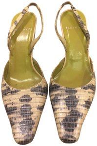 Vera Wang green Pumps