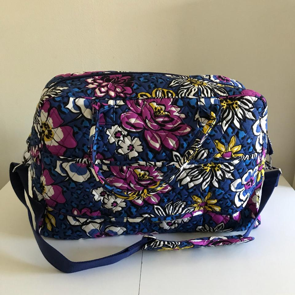 453fe6e613 Vera Bradley Carryon Overnight Purple African Violet Travel Bag Image 4.  12345