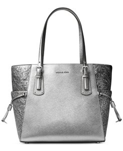 Michael Kors Leather Voyager Leather Silver Tote in Light Pewter