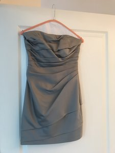 David's Bridal Silver / Gray Polyester F14212 Formal Bridesmaid/Mob Dress Size 2 (XS)