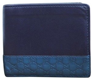 d5fae1e55192 Added to Shopping Bag. Gucci Gucci Mens Wallet Blue Leather and Gucci  Signature wallet