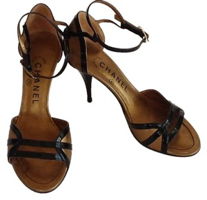 """Chanel 3.25"""" Heels Blk Black Patent Leather trim and straps and Gold Leather. Pumps"""