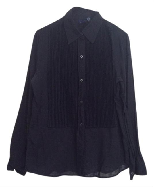 Preload https://item2.tradesy.com/images/gap-black-button-down-top-size-4-s-2300626-0-0.jpg?width=400&height=650