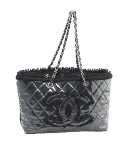 Chanel Patent Leather Tote in xBlack
