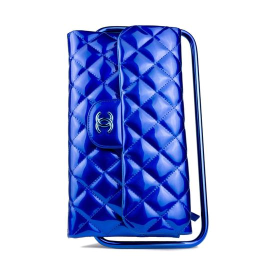 Preload https://item4.tradesy.com/images/chanel-clutch-2014-runway-electric-frame-blue-patent-leather-clutch-23007218-0-3.jpg?width=440&height=440